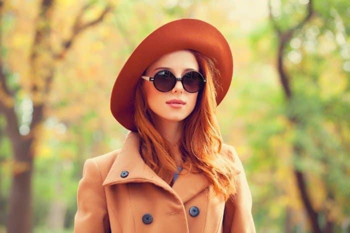 porter lunettes de soleil femme